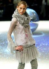 Emanuel Ungaro Fall 2003 Ready-to-Wear Collections 0003