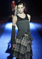 Martine Sitbon Fall 2003 Ready-to-Wear Detail 0002