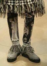 Yohji Yamamoto Fall 2003 Ready-to-Wear Detail 0002