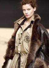 Vivienne Westwood Fall 2003 Ready-to-Wear Detail 0002