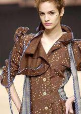 Vivienne Westwood Fall 2003 Ready-to-Wear Detail 0003
