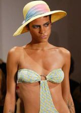 Diane von Furstenberg Spring 2004 Ready&#45&#x3B;to&#45&#x3B;Wear Detail 0002