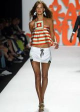 Anna Sui Spring 2004 Ready-to-Wear Collections 0003