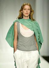 Gibo Spring 2004 Ready-to-Wear Detail 0002