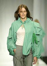 Gibo Spring 2004 Ready-to-Wear Detail 0003