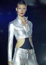Julien Macdonald Spring 2004 Ready-to-Wear Detail 0003