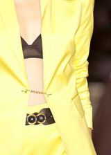 Anne Klein Spring 2004 Ready-to-Wear Detail 0003