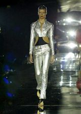 Julien MacDonald Spring 2004 Ready-to-Wear Collections 0003