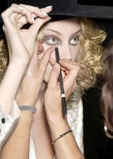 Boudicca Spring 2004 Ready-to-Wear Backstage 0003