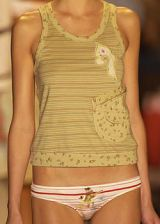 Custo Barcelona Spring 2004 Ready-to-Wear Detail 0003