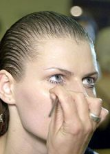 Rafael Lopez Spring 2004 Ready-to-Wear Backstage 0003