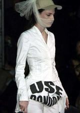 Katherine Hamnett Spring 2004 Ready-to-Wear Collections 0002