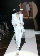Gianfranco Ferre Spring 2004 Ready-to-Wear Collections 0002
