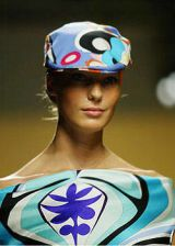 Pucci Spring 2004 Ready-to-Wear Detail 0002
