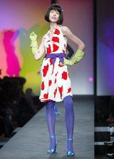 Moschino Spring 2004 Ready-to-Wear Collections 0003