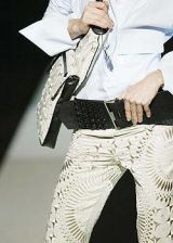 Gianfranco Ferre Spring 2004 Ready-to-Wear Detail 0002