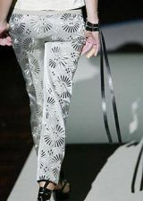 Gianfranco Ferre Spring 2004 Ready&#45&#x3B;to&#45&#x3B;Wear Detail 0003
