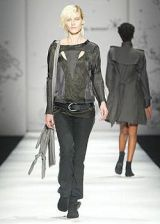 Isabel Marant Spring 2004 Ready-to-Wear Collections 0002