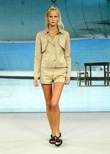 Hussein Chalayan Spring 2004 Ready-to-Wear Collections 0002