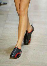 Issey Miyake Spring 2004 Ready&#45&#x3B;to&#45&#x3B;Wear Detail 0003