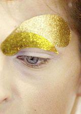 Christian Dior Spring 2004 Ready&#45&#x3B;to&#45&#x3B;Wear Backstage 0003