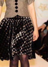 Nanette Lepore Fall 2004 Ready-to-Wear Detail 0003