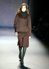 Nicole Farhi Fall 2004 Ready-to-Wear Collections 0002