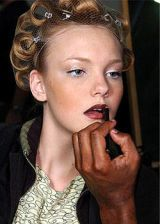 Blumarine Fall 2004 Ready-to-Wear Backstage 0002