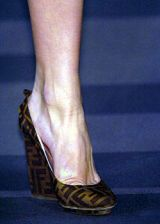 Fendi Fall 2004 Ready-to-Wear Detail 0003