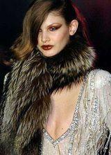 Julien Macdonald Fall 2004 Ready-to-Wear Detail 0003