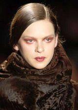 Donna Karan Fall 2004 Ready-to-Wear Detail 0003