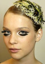 Chanel Fall 2004 Haute Couture Backstage 0003