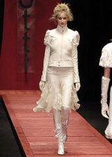 Laura Biagiotti Fall 2004 Ready-to-Wear Collections 0002