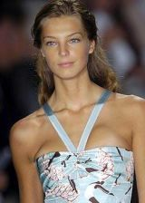 Carolina Herrera Spring 2005 Ready-to-Wear Detail 0002