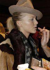 Vivienne Westwood Fall 2004 Ready-to-Wear Backstage 0002