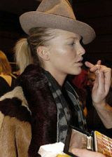 Vivienne Westwood Fall 2004 Ready-to-Wear Backstage 0002