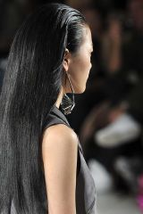 Hairstyle, Skin, Shoulder, Photograph, Joint, White, Style, Beauty, Black hair, Long hair,