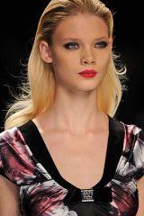 Hair, Head, Nose, Lip, Cheek, Brown, Hairstyle, Chin, Forehead, Eyebrow,