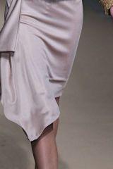 Sleeve, Textile, Joint, Satin, Fashion, Black, Thigh, Grey, Street fashion, Waist,