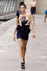 Clothing, Leg, Human body, Human leg, Shoulder, Dress, Photograph, Joint, Standing, Waist,