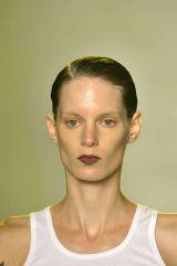 Cheek, Hairstyle, Skin, Chin, Forehead, Shoulder, Eyebrow, Joint, Sleeveless shirt, Style,