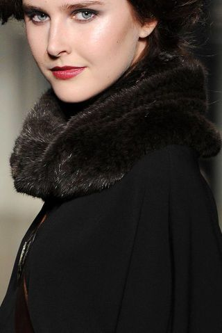ST JOHN FALL 2012 RTW BEAUTY 003