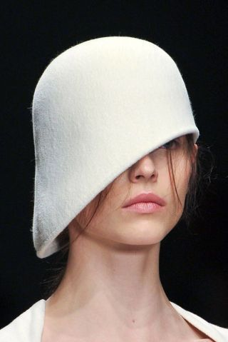 MARIOS SCHWAB FALL 2012 RTW BEAUTY 001