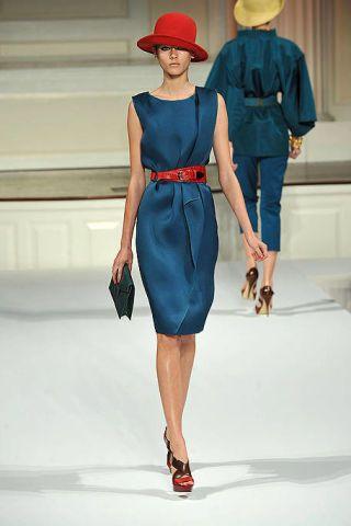 Hat, Sleeve, Shoulder, Dress, Joint, Human leg, Standing, Red, Style, Waist,