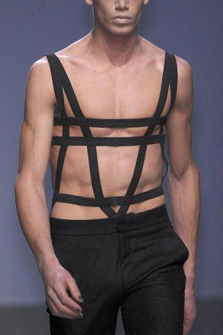 Shoulder, Standing, Elbow, Joint, Chest, Waist, Trunk, Sleeveless shirt, Muscle, Abdomen,