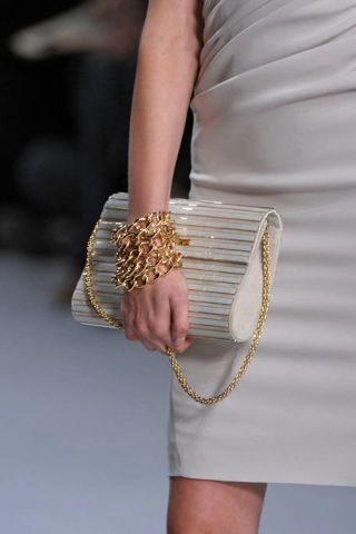 Finger, Joint, Style, Fashion, Wrist, Nail, Day dress, Natural material, Bracelet, Embellishment,