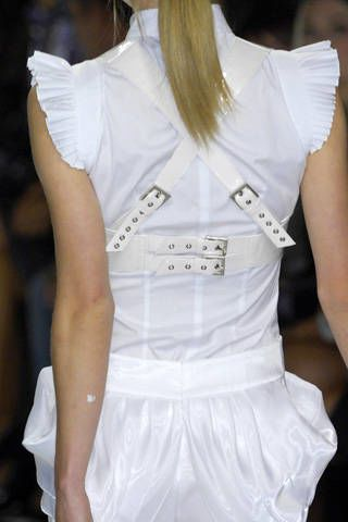 Byblos Spring 2009 Ready-to-wear Detail - 003
