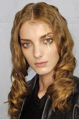 Nina Ricci Fall 2008 Ready-to-wear Backstage - 003