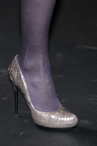 Human leg, Shoe, Joint, High heels, Fashion, Black, Grey, Foot, Basic pump, Close-up,