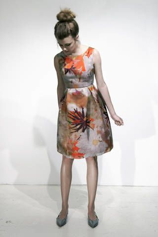 Clothing, Shoulder, Dress, Joint, Standing, One-piece garment, Human leg, Style, Day dress, Waist,